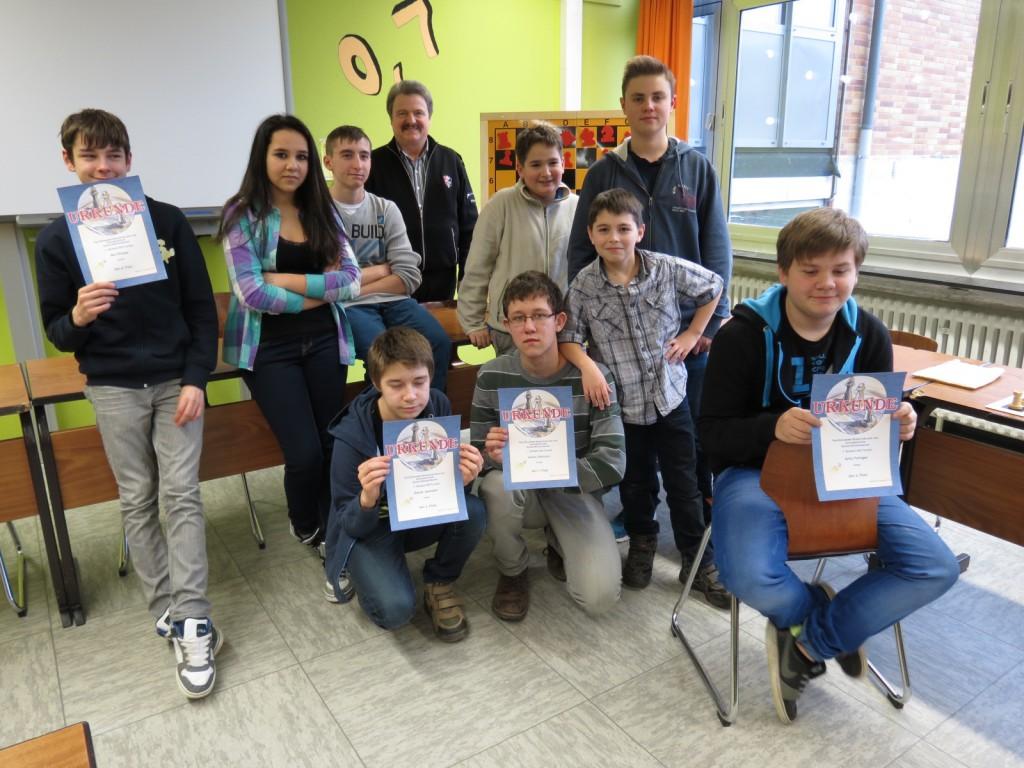 Das erste Schachturnier hat die besten Spieler der Paul-Schneider-Schule ermittelt: Vadim Getmann, Artur Felinger, Daniel Jesswein und Nic Philippi sind die Top 4-Schachspieler.