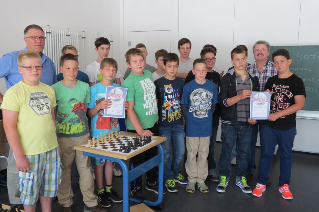 Hier gibt es keine Gewinner oder Verlierer, bei den Schach-Freunden aus Sohren und Kirchberg zählt einzig das gemeinsame Spiel und der kluge Schachzug.